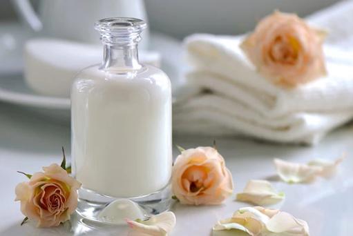 Млякото и кожата
