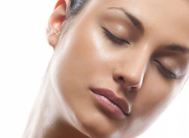 7 трика да се преборим с мазната кожа на лицето