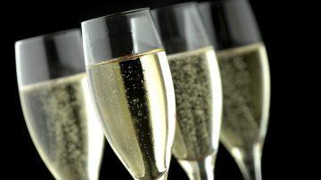 Шампанското – вашият любим тоник за лице!