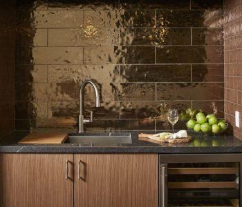 Лепене на метални плочки в кухнята
