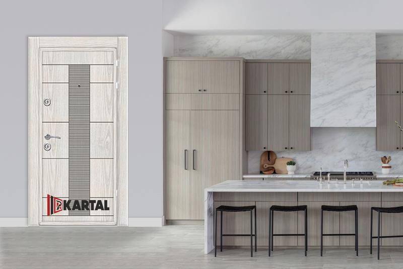 бяла стилна блиндирана врата