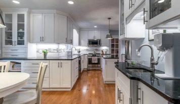 Кухня по индивидуални размери – защо да заложите на поръчкови мебели?